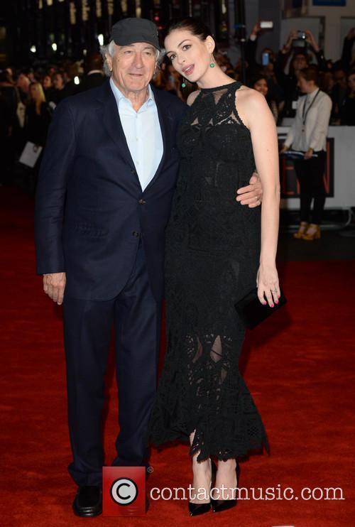Robert Deniro and Anne Hathaway 6