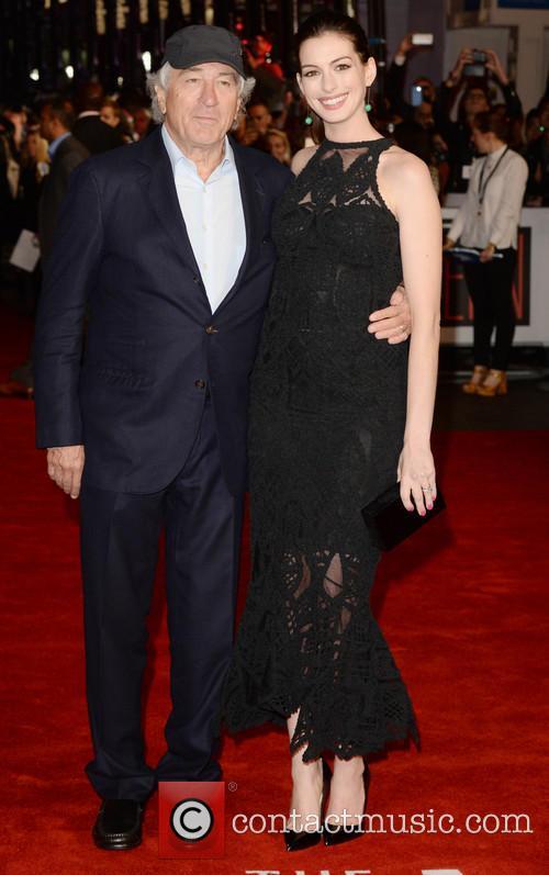 Robert Deniro and Anne Hathaway 8