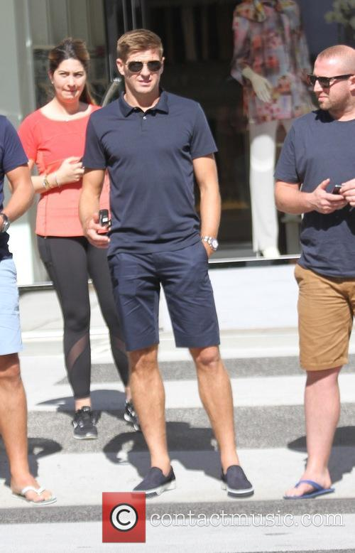 Steven Gerrard at lunch with friends at Il...