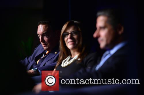 Dr. José A. Vicente, Elizabeth Bejar and Alberto Carvalho 1