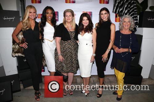 Nancy O'dell, Michelle Williams, Nancy Davis, Lisa Vanderpump, Heather Dubrow and Paula Deen 1