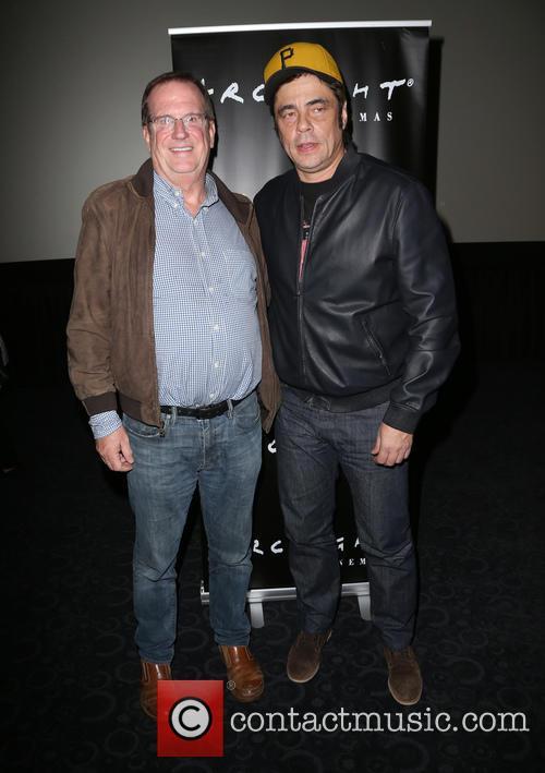 Benicio Del Toro and Guest 10
