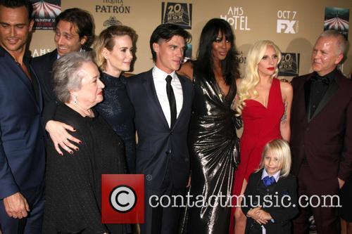 Kathy Bates, Sarah Paulson, Finn Wittrock, Naomi Campbell, Lady Gaga and Ryan Murphy 1