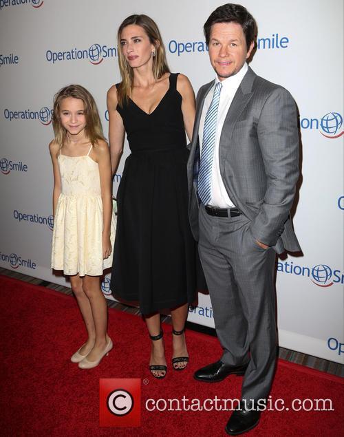 Ella Wahlberg, Rhea Durham and Mark Wahlberg 3