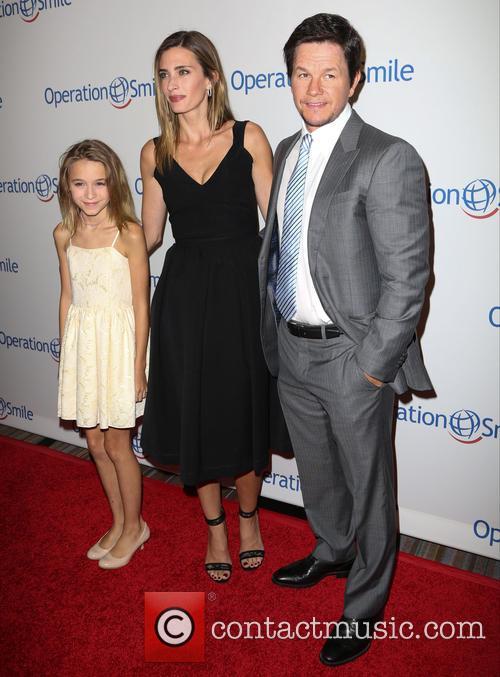 Ella Wahlberg, Rhea Durham and Mark Wahlberg 4