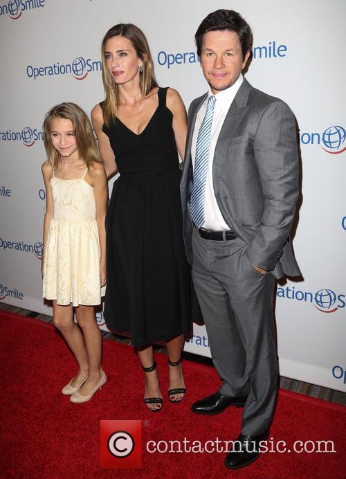Ella Wahlberg, Rhea Durham and Mark Wahlberg 5