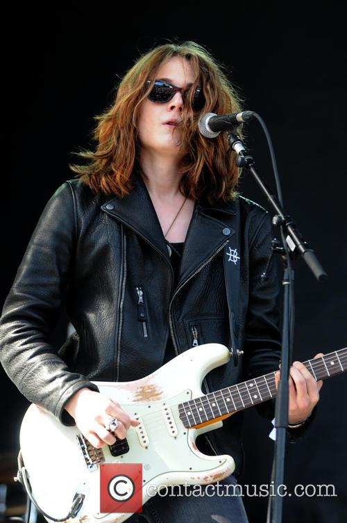 Tyler Bryant and The Shakedown 6