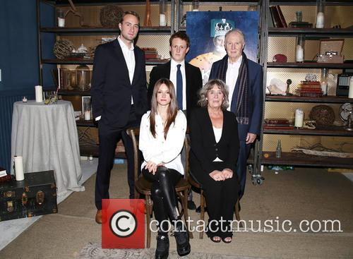 Oliver Chris, Richard Goulding, Tim Pigott-smith, Lydia Wilson and Margot Leicester 1