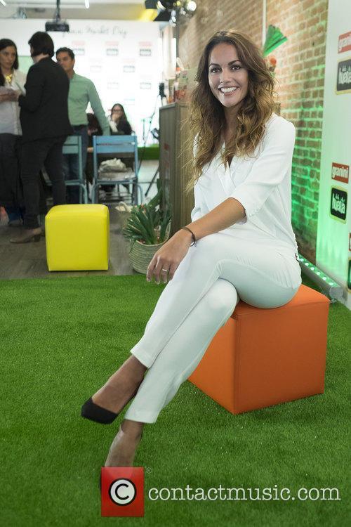 Lara Alvarez 7