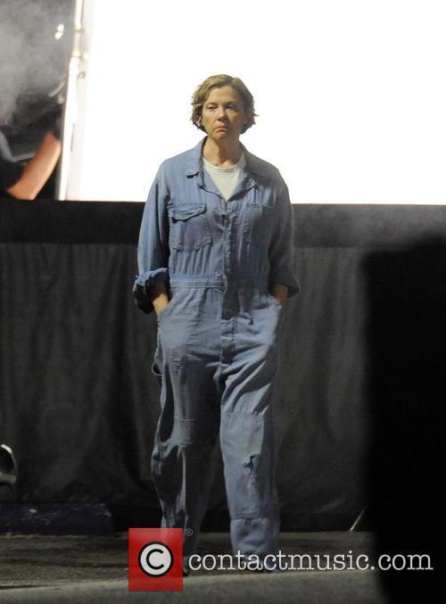 Annette Bening 8