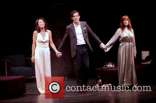 Eve Best, Clive Owen and Kelly Reilly 4