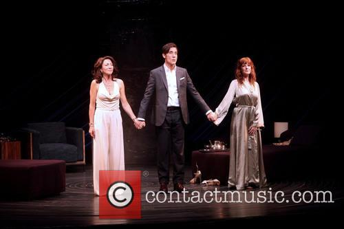 Eve Best, Clive Owen and Kelly Reilly 6