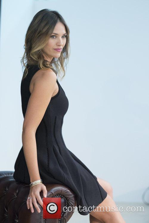 Helen Lindes 6