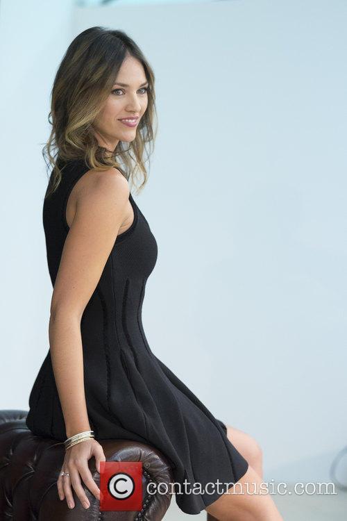 Helen Lindes 7