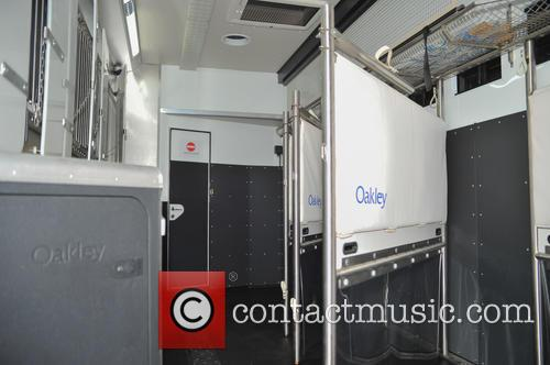 Atmosphere and Oakley Supremacy Horse Box 4