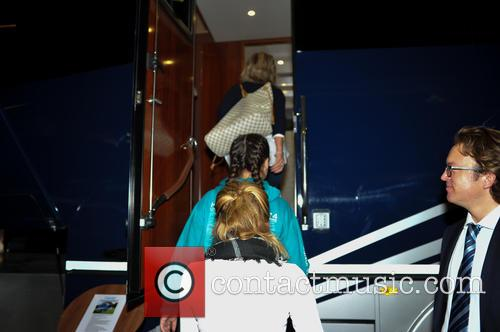 Atmosphere and Oakley Supremacy Horse Box 7