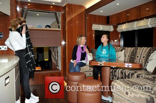 Atmosphere and Oakley Supremacy Horse Box 8