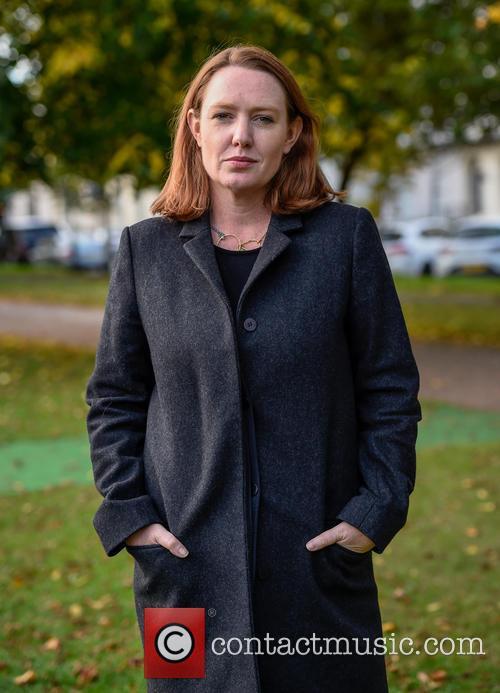 Paula Hawkins 5