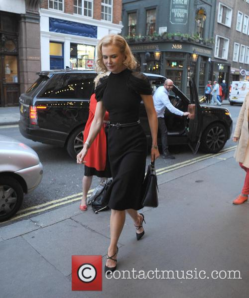 Nicole Kidman arriving at the theatre, Photograph 51