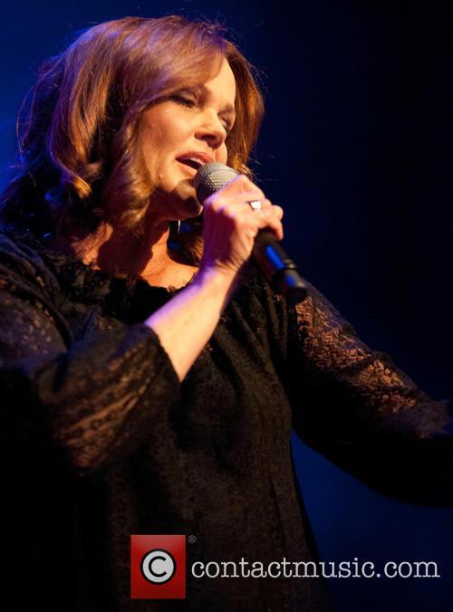 Belinda Carlisle 8