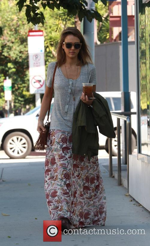 Jessica Alba spotted leaving Le Pain Quotidien