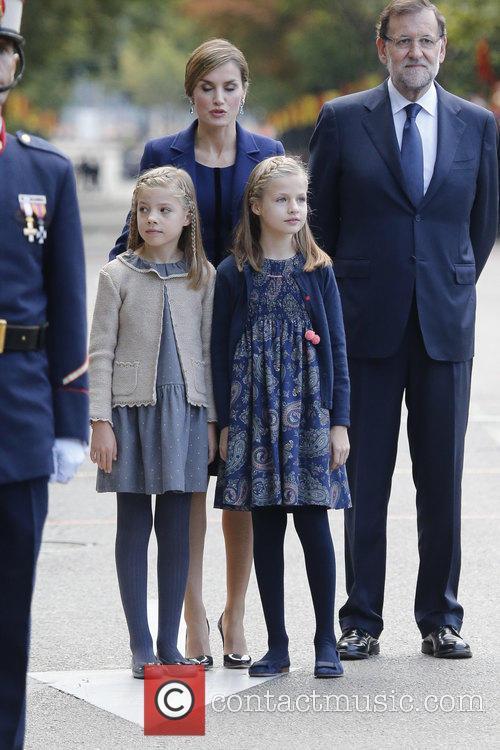 Queen Letizia, Prince Leonor and Prince Sofia 3