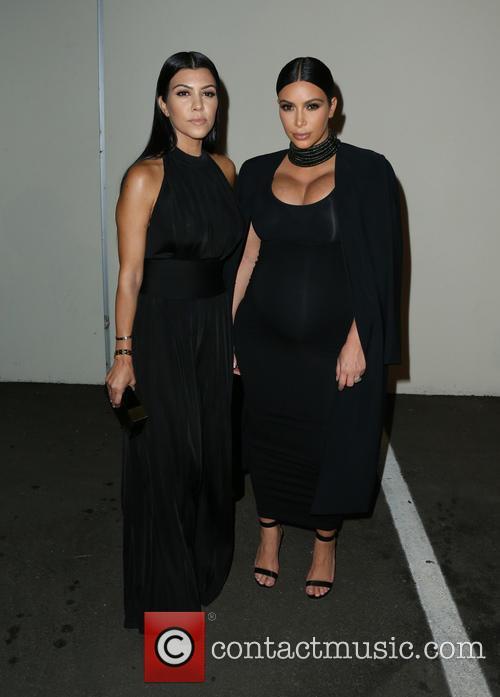 Kourtney Kardashian and Kim Kardashian 5