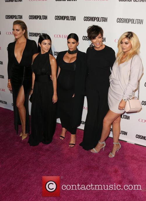 Khloe Kardashian, Kourtney Kardashian, Kim Kardashian, Kris Jenner and Kylie Jenner 7
