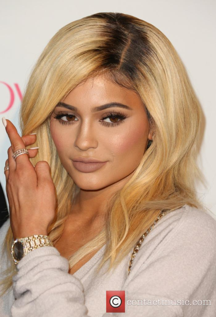 Kylie Jenner Is Pregnant With Boyfriend Travis Scott