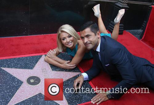 Kelly Ripa and Guest 1