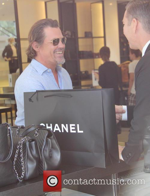 Josh Brolin and And Girlfriend 3