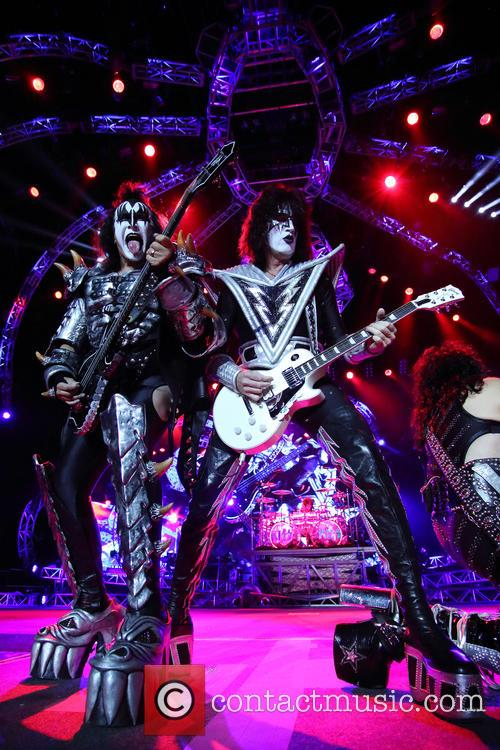 Kiss, Gene Simmons and Tommy Thayer 2