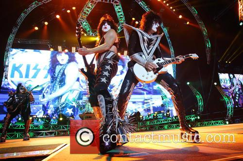 Kiss, Paul Stanley and Tommy Thayer 2