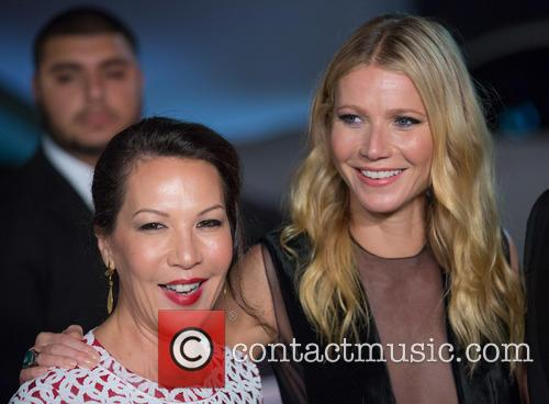 Sandra Main and Gwyneth Paltrow 1