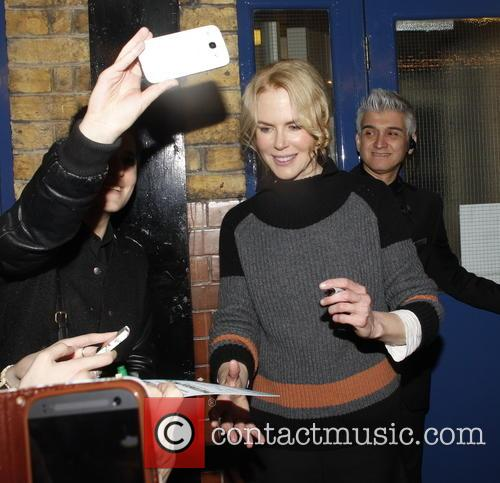 Nicole Kidman mobbed by fans when leaving Noel...