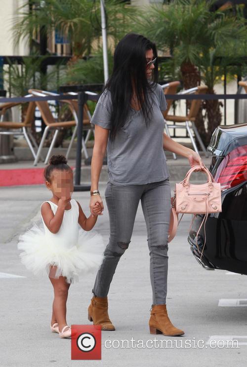 Kourtney Kardashian, Nori and North West 4