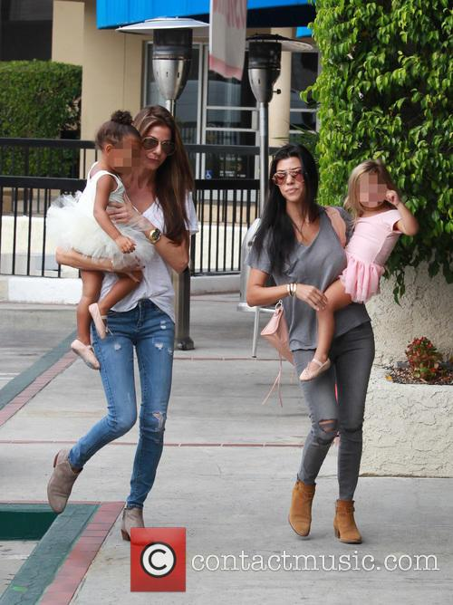Kourtney Kardashian, Penelope Scotland Disick, Nori and North West 6