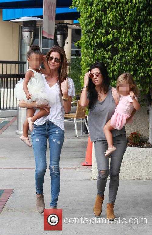 Kourtney Kardashian, Penelope Scotland Disick, Nori and North West 9