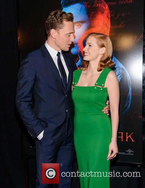 Tom Hiddleston and Jessica Chastain 2