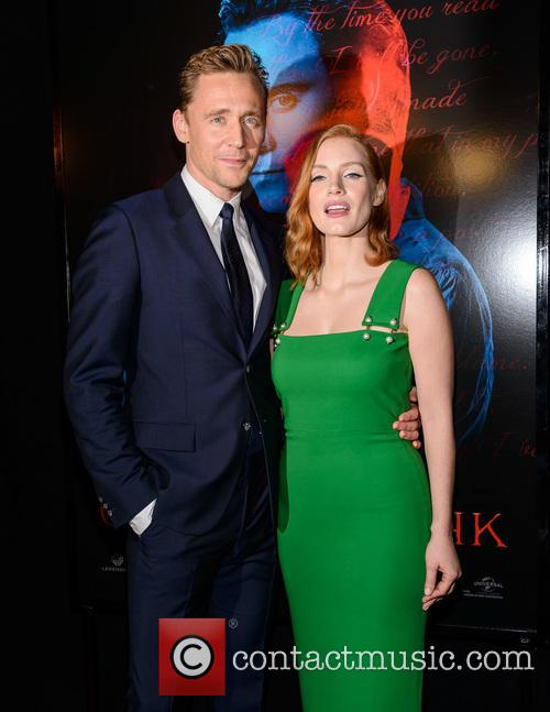 Tom Hiddleston and Jessica Chastain 3