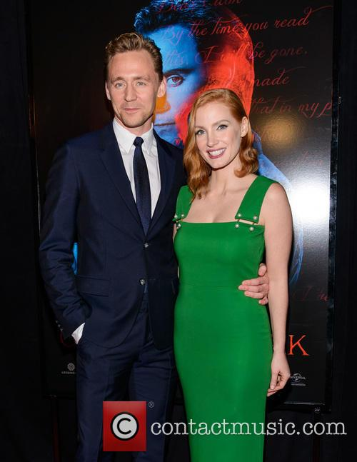 Tom Hiddleston and Jessica Chastain 6