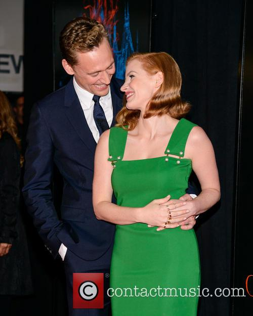 Tom Hiddleston and Jessica Chastain 1