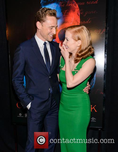 Tom Hiddleston and Jessica Chastain 7