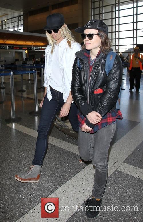 Ellen Page and Samantha Thomas 3