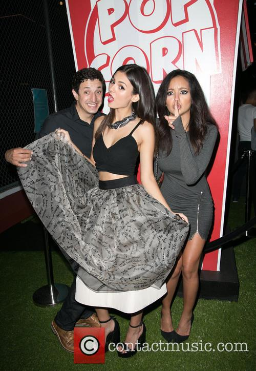Guest, Victoria Justice and Melanie Iglesias 1