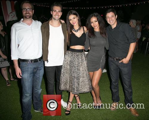 Guest, James Maslow, Victoria Justice and Melanie Iglesias