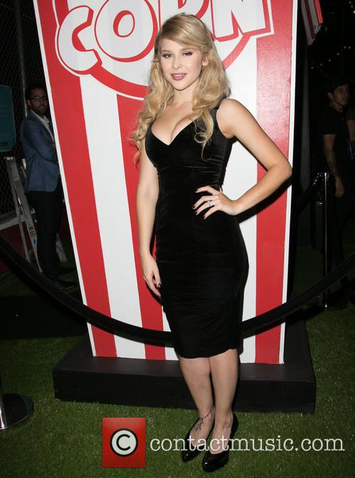 Renee Olstead 4