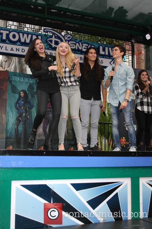 Sofia Carson, Dove Cameron, Booboo Stewart and Cameron Boyce 3