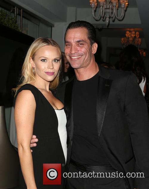Julie Solomon and Jonathon Schaech 4