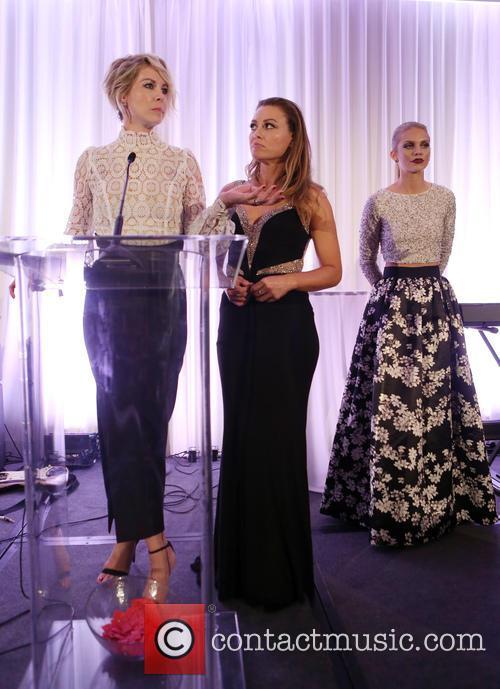Jenna Elfman, Kim Biddle and Annalynne Mccord 4